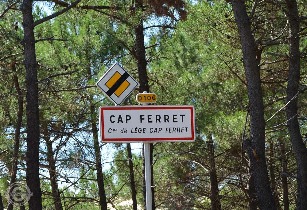 Panneau d'entrée d'agglomération du Cap-Ferret